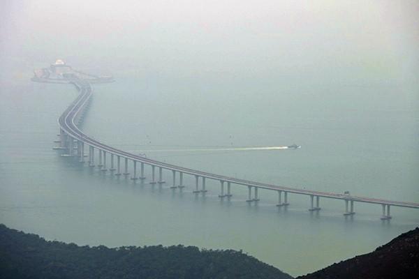 """风水师:港珠澳大桥""""两蛇对冲"""" 中共别有用意(视频)"""