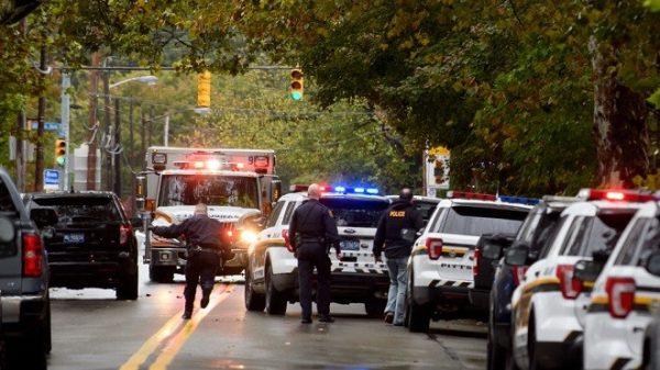 賓州傳仇恨犯罪 歹徒闖猶太會堂開槍至少11死6傷