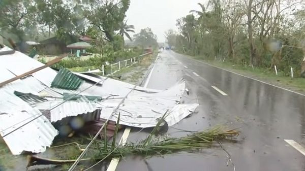 台风玉兔袭菲律宾 已知8死近40人恐遭活埋