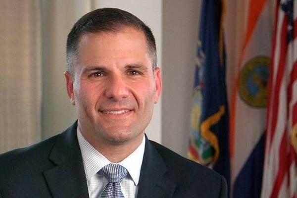 普选临近 《纽约邮报》背书共和党州长候选人