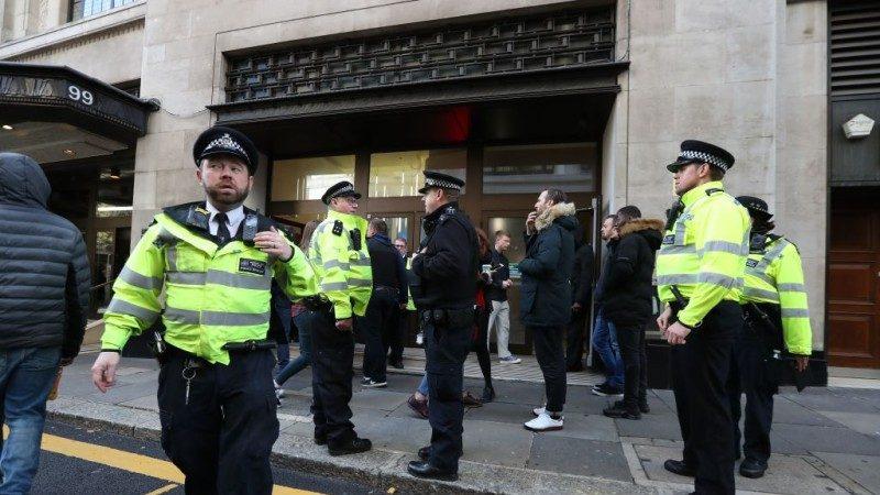伦敦治安堪忧 72小时3起谋杀 可疑包裹现街道