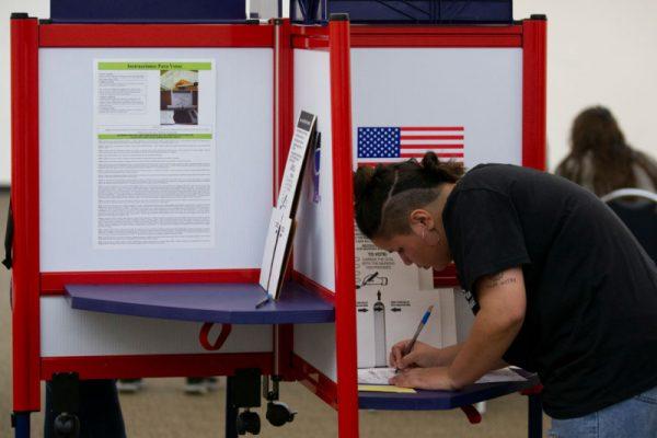 美期中选举大致底定 国会或呈分裂局面