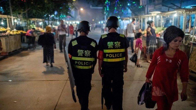 """当代指鹿为马?中共副外长:""""再教育营""""是为保护人权"""