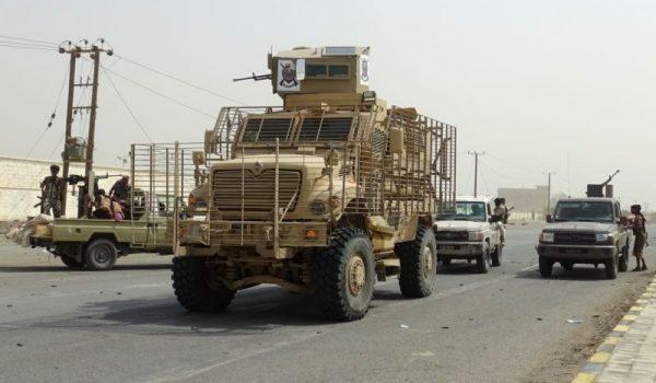 迫叛军谈判 也门亲政府军发动猛攻酿150人丧命(视频)