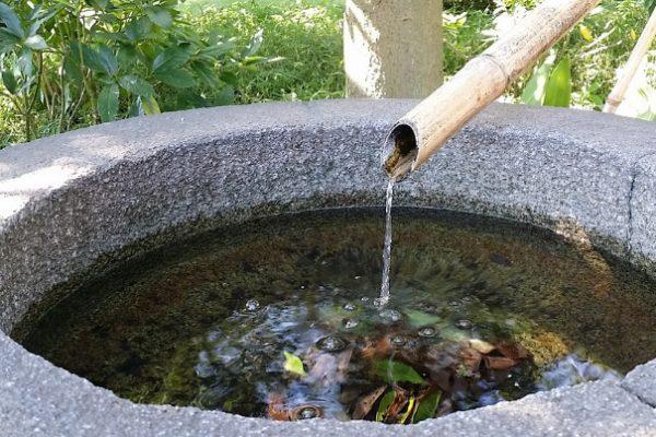 「一碗泉」的故事