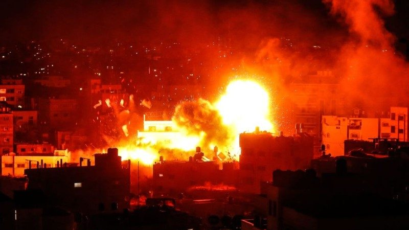 以巴冲突再起 加沙数百枚火箭狂轰以色列