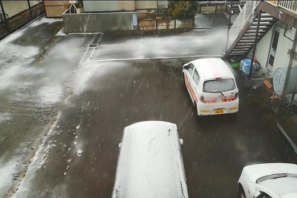 北海道初雪 旭川遲到28天 滑雪場開不了