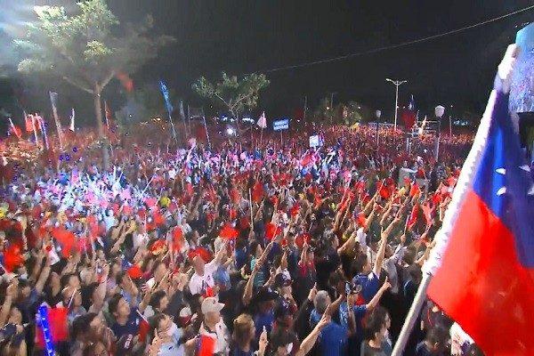 韓國瑜「挺進岡山」造勢  支持者擠爆會場