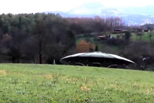 多名飛行員目擊UFO 德國捕捉到飛碟升空場景(視頻)