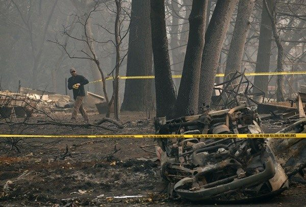 加州预计11月底扑灭大火 已知77死失踪993人
