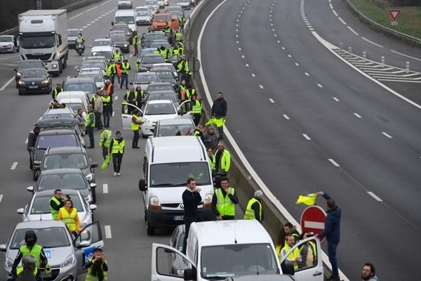 燃油飙涨 法国黄背心抗议拟24日到巴黎