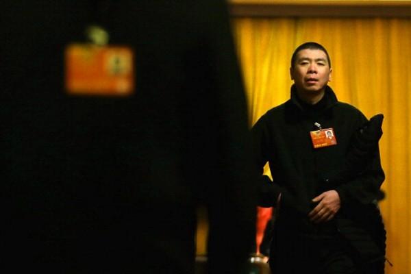 馮小剛回應被罰20億:太少了,怎麼也得罰100億