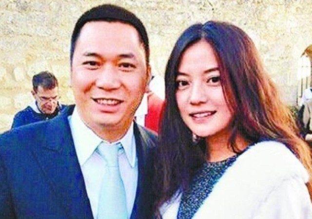 赵薇夫妇因收购违规5年内被禁任上市公司董事