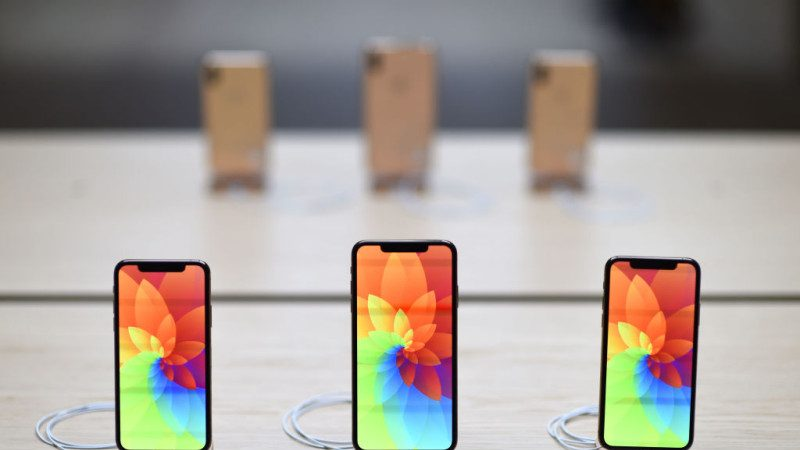 苹果iPhoneXR降价促销  鸿海年底前裁10万人