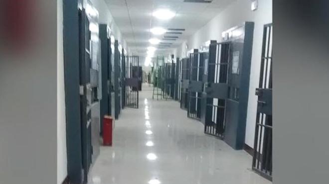 外媒冒險潛入新疆 再教育營內外畫面曝光(視頻)