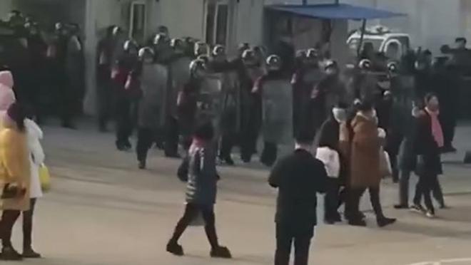 江蘇洋河酒廠數千人罷工 遭警力清場消息被封