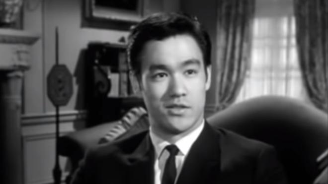 意外!李小龙好莱坞试镜 罕见讲述功夫与水的哲学(视频)