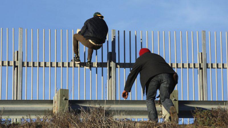 移民申请庇护 美:须在墨西哥等候