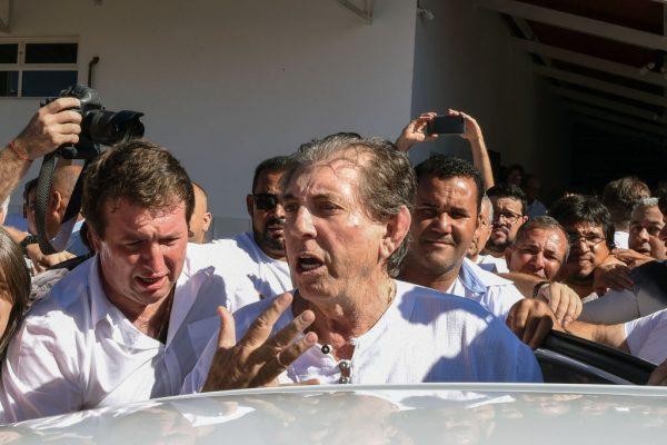 涉性侵300多名婦女 巴西靈療師狼狽投案