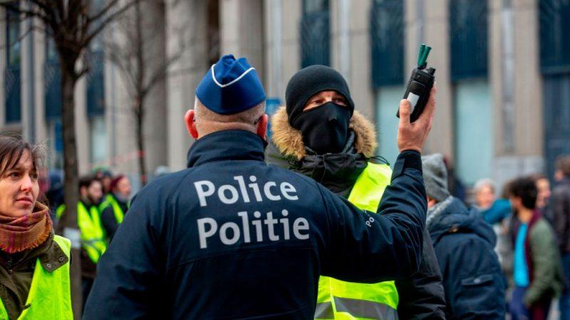 布鲁塞尔黄背心抗议平和 媒体人一度比抗议者多