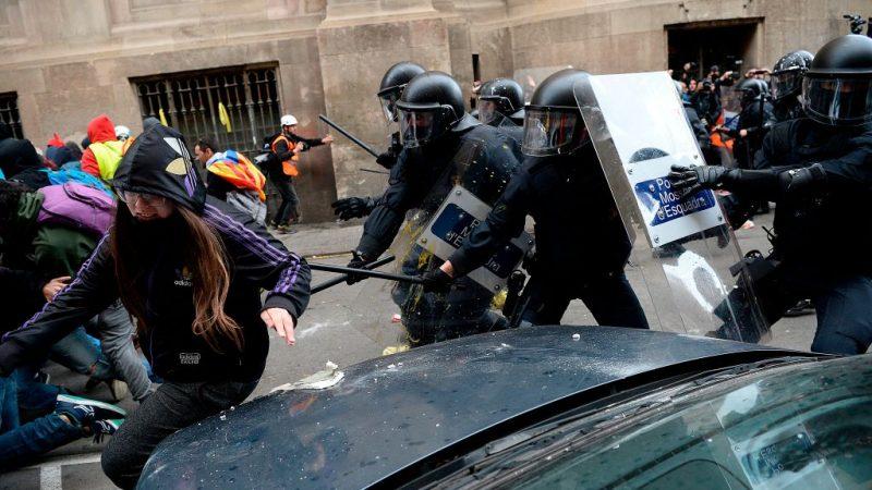 内阁会议移师巴塞罗那  警民爆冲突62伤13人被捕