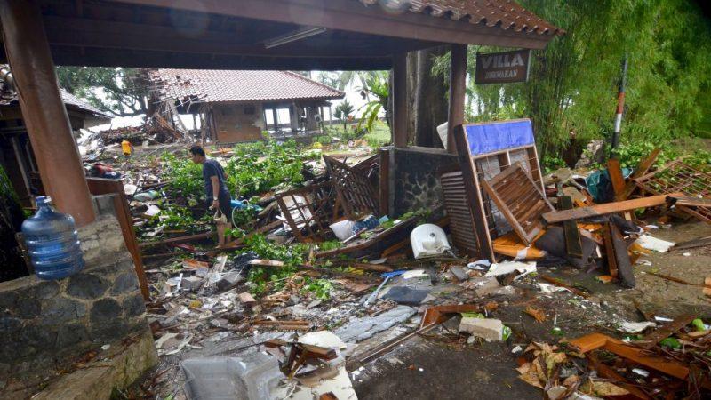 印尼海啸误判满月潮汐 政府道歉挽不回人命