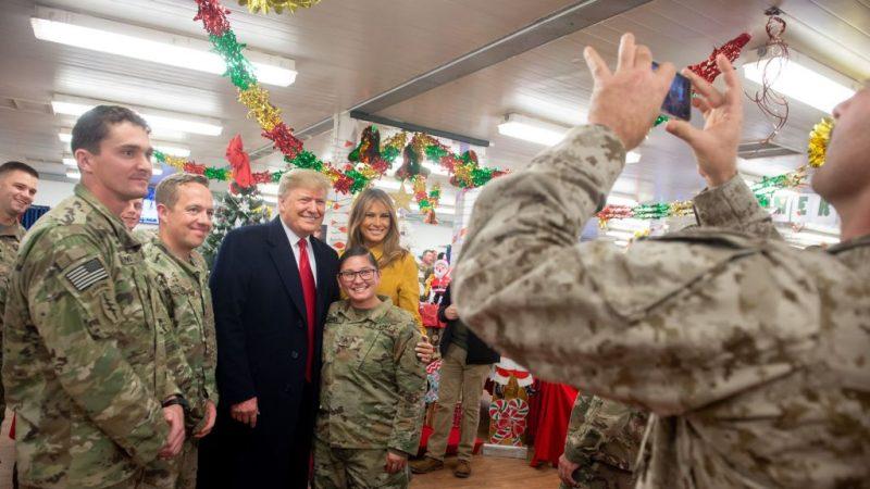 聲稱士兵揮川普帽應受軍紀懲罰 CNN偏見報導挨轟