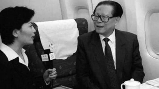 揭秘:江澤民專機空中轉圈為胡錦濤讓道內幕