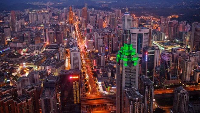 """深圳""""第一高楼""""一次退租10层 经济寒冬来临"""