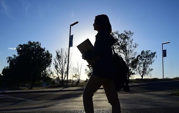 美擬調查所有中國留學生背景 包括社群言論和電話記錄