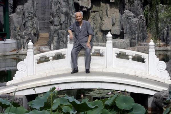 毛泽东秘书李锐病情恶化 揭中共丑闻着作被封杀