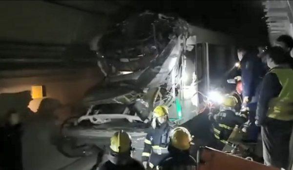 上月底才通車 重慶輕軌列車撞防護門1死3傷