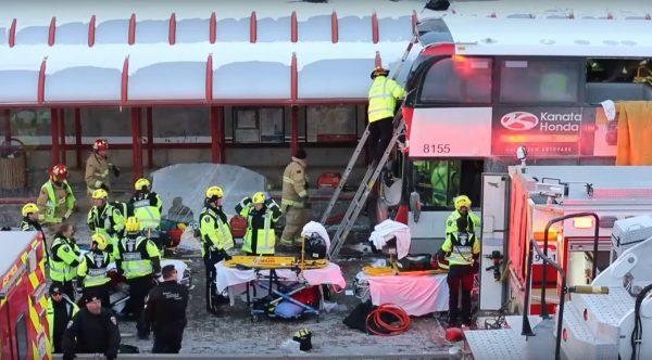 加拿大巴士冲撞公车站 酿3死23伤