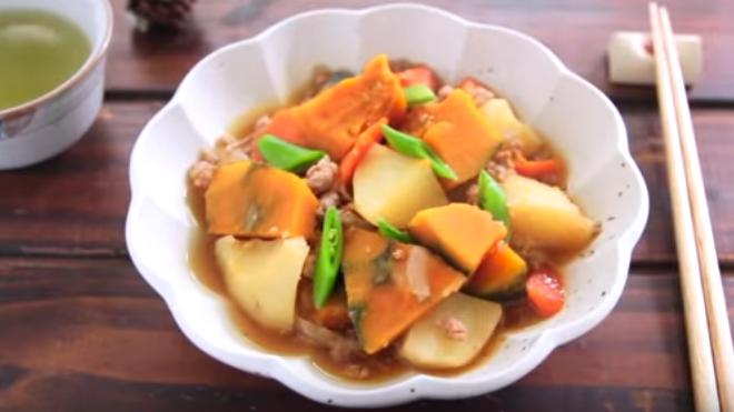 南瓜马铃薯炖绞肉 简单家庭料理(视频)