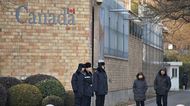 中共人質外交惹眾怒 百餘外交官致函北京放人