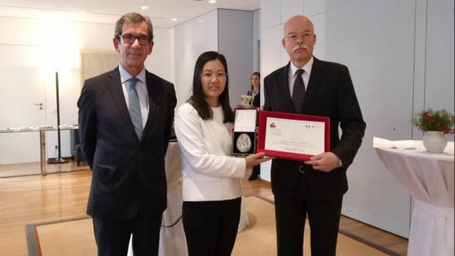 身陷囹圄 余文生律师获国际人权法治奖