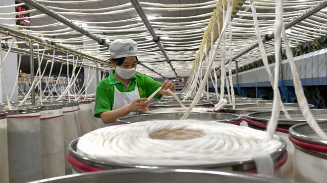 中国GDP创28年新低 外媒:实际状况恐更糟