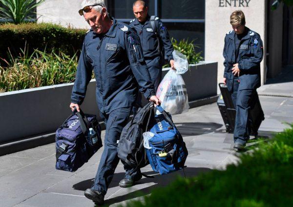 寄38個包裹給多國領事館 澳洲48歲嫌犯不得交保