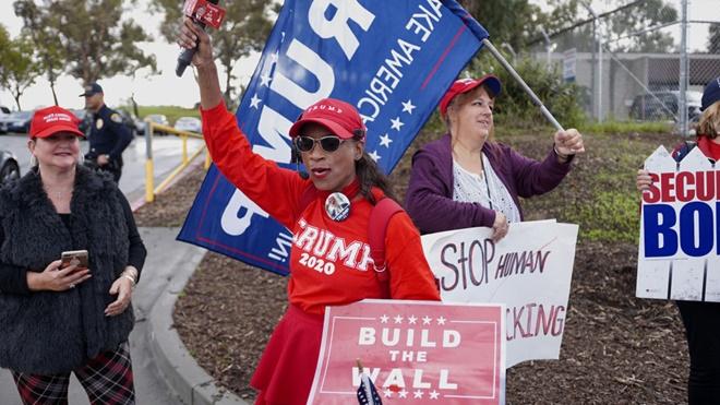 民调:川普筑墙支持率达历史最高点