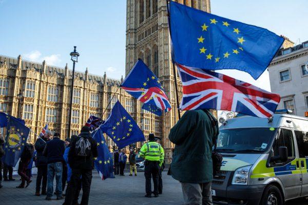 阻硬脫歐 英20位保守黨議員倒戈助通過修正案