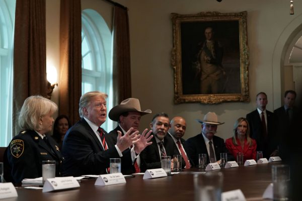 幫民主黨談判找台階 川普:把牆叫「桃子」吧