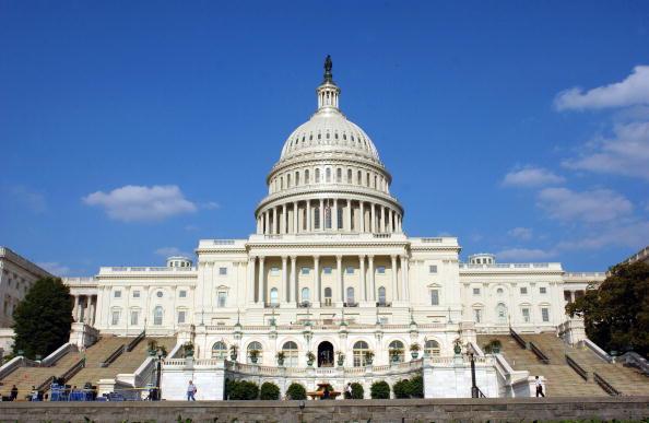 美议员推制裁新法 禁向华为中兴出口芯片