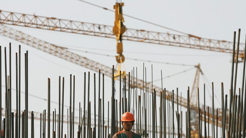 中国经济低迷民企叫苦 官方面临两难