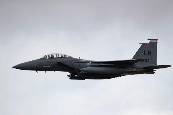 F-15座舱罩3万英尺脱落 以色列飞行员零下45度返航
