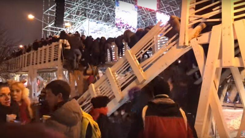 莫斯科市民倒數慶元旦 公園木橋突斷裂13人傷