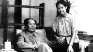 毛新宇曬家庭照:毛澤東與兒媳十指相扣(組圖)