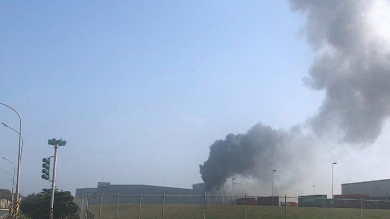 台物流厂大火浓烟窜天 2员工命危