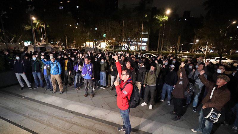 華航機師罷工第5天 勞資再協商開直播