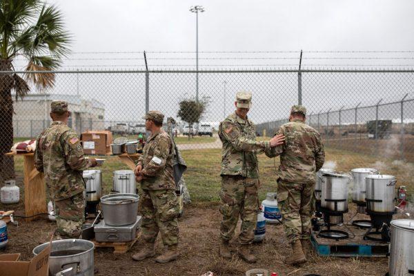 美國防部增兵4000 嚴陣以待大篷車移民