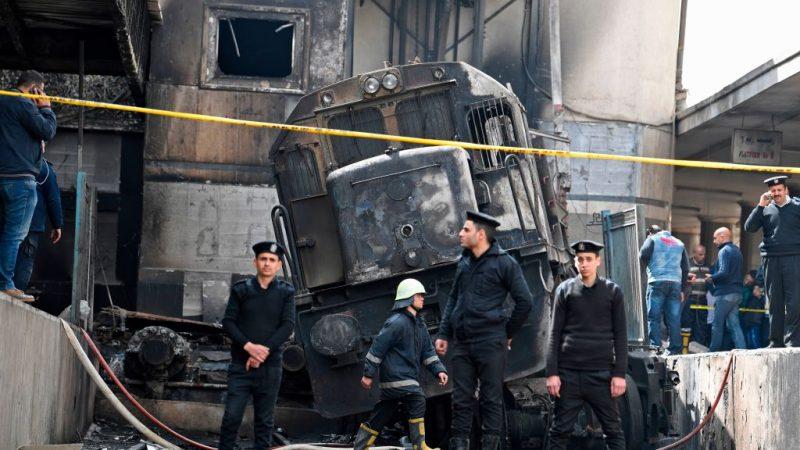埃及開羅列車撞屏障引大火 至少25死50傷(視頻)